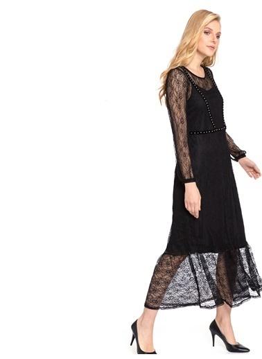 LC Waikiki Yakası Metal Aplike Baskılı Dantel Elbise Siyah
